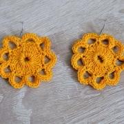 Häkel-Ohrringe Blütenform gelb